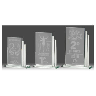 G130 Glasstandaard gelaserd naar eigen ontwerp
